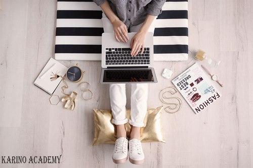 معنی بلاگر